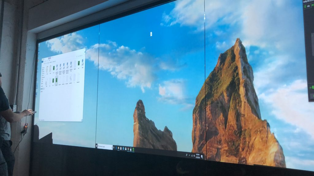 3 Projectors Blended with Blending Software