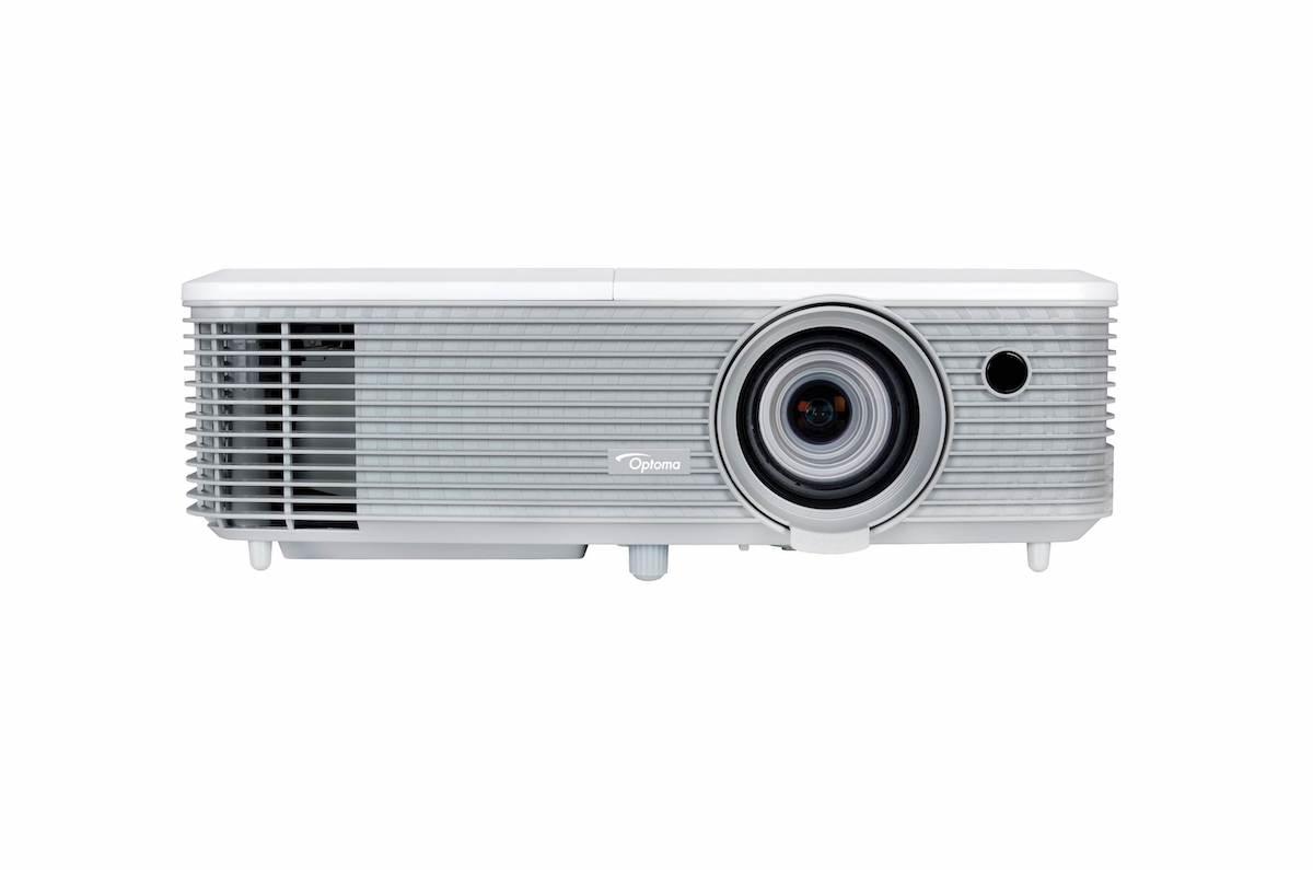 3100 Lumen Projector, XGA, LCD, Contrast 450:1